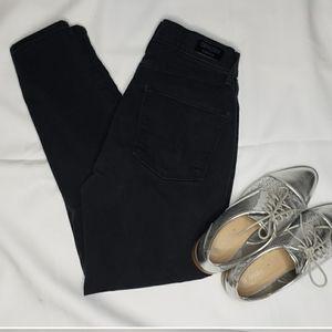 Denizen Levi's | Black Curvy Skinny Jeans